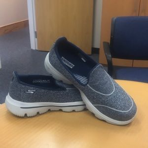 Skechers GOWalk Evolution Ultra Size 7